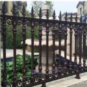 厂家直销小区围墙锌钢护栏 铁艺别墅防护隔离栏 厂区庭院锌钢围栏