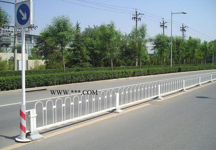 合肥兆飞铁艺  道路护栏 合肥护栏厂家 护栏